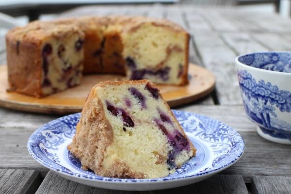 Blueberry Coffee Crumb Cake | Cassie's Kitchen